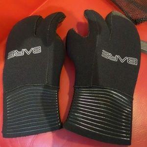 Neoprene 3 fingered scuba gloves